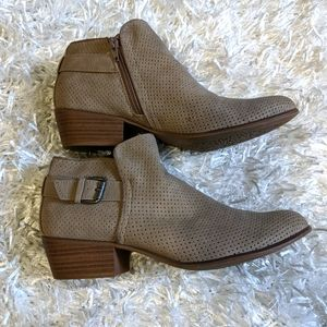 Esprit |Talia Perforated Ankle Booties